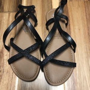 Justice sandals black with glitter size 7 NWOT